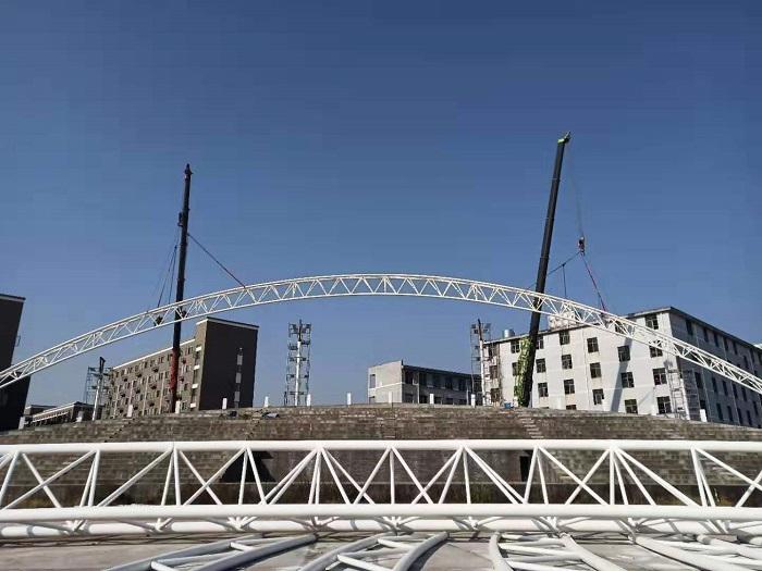 烨兴-吉安永丰县九年一贯学校体育场看台钢膜结构最新进展