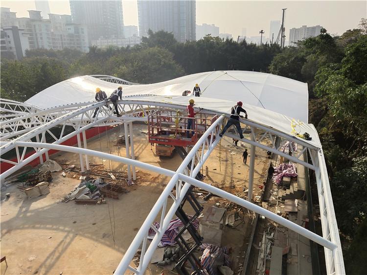 烨兴-中山公园门球场膜结构雨棚项目施工中