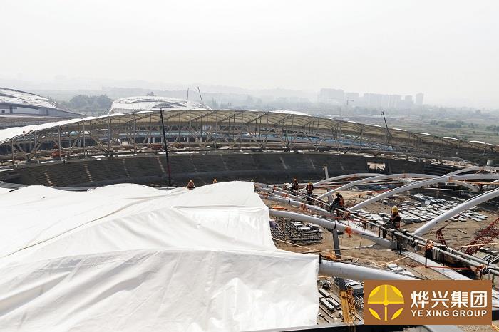 烨兴-乐山奥体中心膜结构装膜工作已超70%