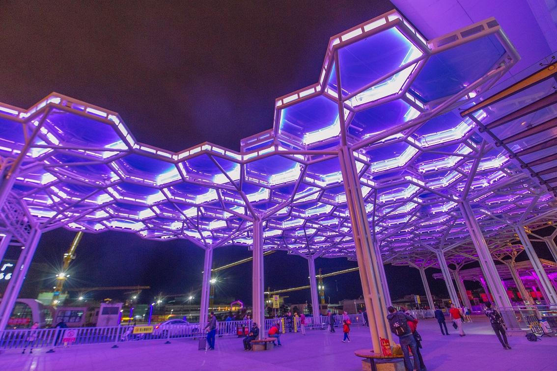 烨兴-贵港高铁站广场ETFE膜结构雨棚